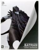 Batman Black & White Statue by Dave Johnson (фигурка 17 см)